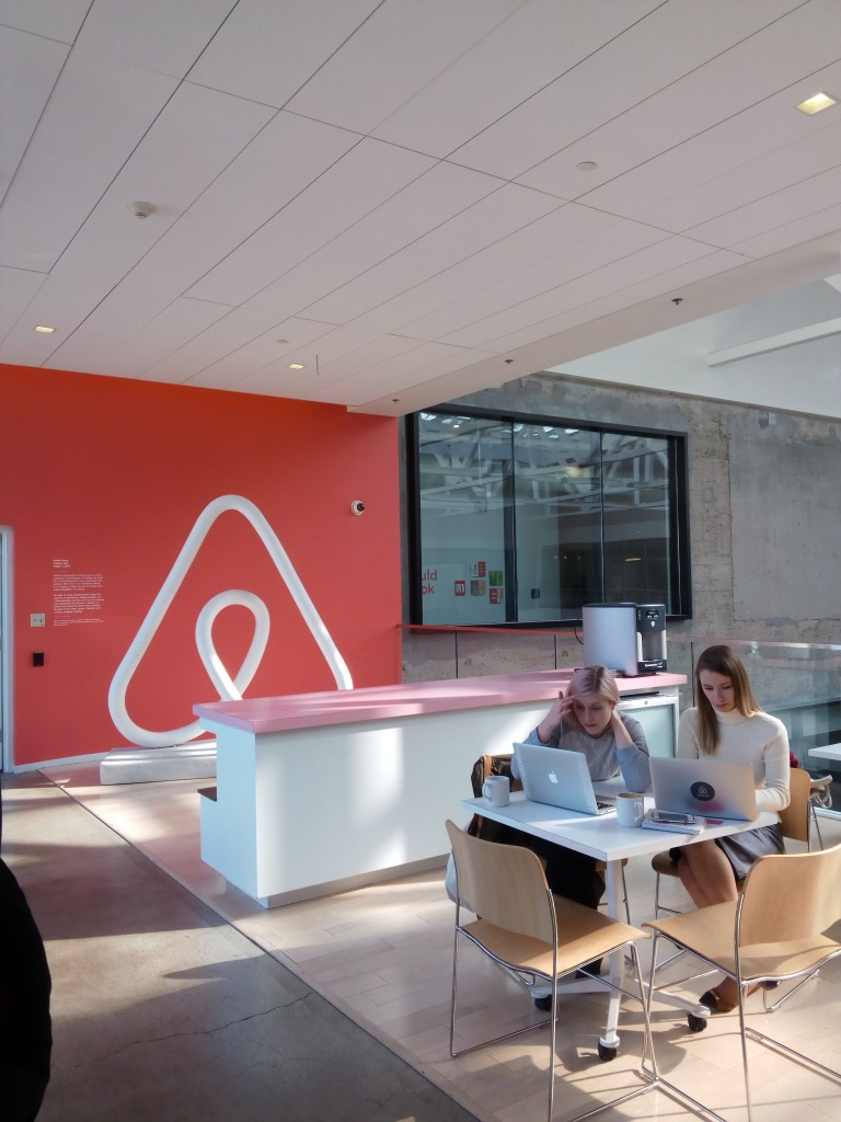 Las oficinas de airbnb en san francisco the amazing startup for Oficina ups madrid