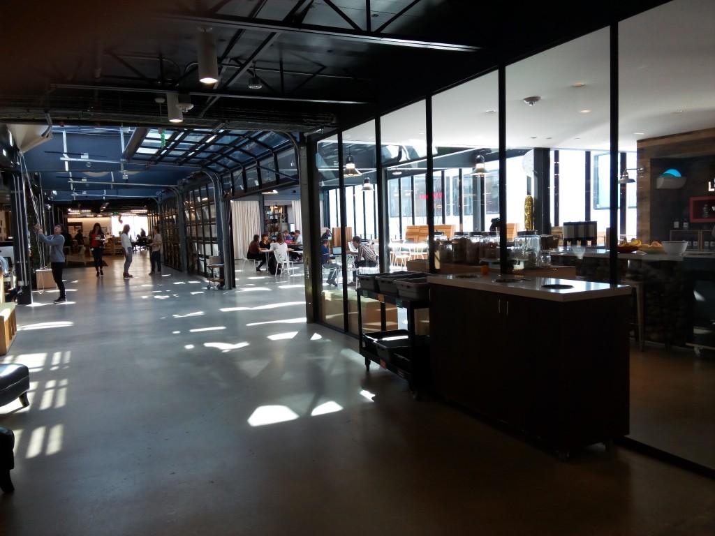 Las oficinas de airbnb en san francisco the amazing startup for Oficinas ups madrid